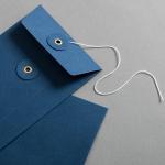 Couvert DIN lang mit Bindfadenverschluss Blau