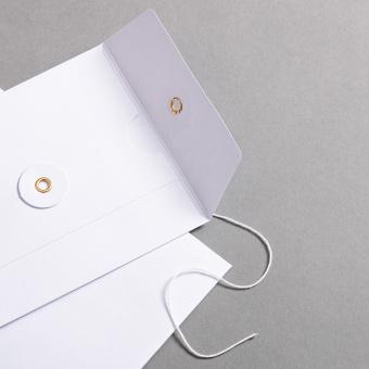 Couvert C6 mit Bindfadenverschluss Weiß